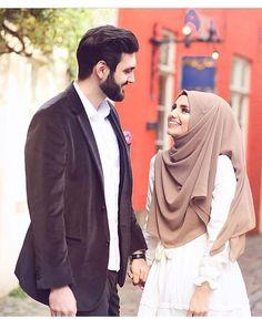 Cute Muslim Couples, Cute Couples Goals, Romantic Couples, Wedding Couples, Wedding Quotes, Muslim Couple Photography, Muslimah Wedding Dress, The Way He Looks, Muslim Brides