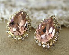 Trust me, almost every girl love bling accessories- Pink Crystal big teardrop stud earring - plated gold post earrings real swarovski rhinestones . Jewelry Box, Jewelery, Jewelry Accessories, Fashion Accessories, Gold Jewelry, Fashion Jewelry, Gold Bracelets, India Jewelry, Etsy Jewelry