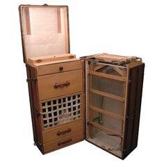 1900-1950 Art Deco Era Gents Compactum Wardrobe C.1930 Packing Of Nominated Brand