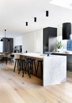 New kitchen marble modern bar stools Ideas Modern Kitchen Cabinets, Kitchen Interior, New Kitchen, Kitchen Decor, Apartment Kitchen, Kitchen Black, Kitchen Ideas, Stone Benchtop Kitchen, Modern Townhouse Interior