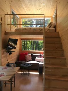 24 Best Tiny House Interior Design Ideas You Must Have - How to Decide on Your Tiny House Insurance Tiny House Loft, Best Tiny House, Modern Tiny House, Small House Design, Tiny House Living, Tiny House Plans, Tiny House 2 Bedroom, Small House Interiors, Bedroom With Loft