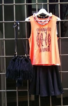 En www.therenewstore.com camiseta Thinking Mu, short Rita Row, bolso flecos The code, complementos Renew :)