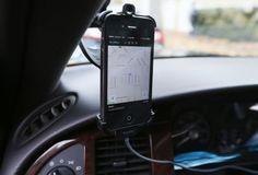 Fomento advierte de que multará a quien cobre por compartir coche y a los usuarios | Economía | EL PAÍS