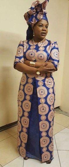African print Beste Long Kaftan & Shift afrikanische Kleider - Reny Styles Wholesale Handbag - Your African Maxi Dresses, Latest African Fashion Dresses, African Dresses For Women, African Wear, African Attire, African Women, African Dress Styles, African Inspired Fashion, African Print Fashion