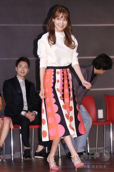 韓国・ソウル(Seoul)の韓国文化放送(MBC)で行われた、新ドラマ「私の生涯の春の日」の制作発表会に臨む、ガールズグループ「少女時代(Girls' Generation、SNSD)」のスヨン(SooYoung、2014年9月4日撮影)。(c)STARNEWS ▼10Sep2014AFP MBCの新ドラマ「私の生涯の春の日」、制作発表会開催 http://www.afpbb.com/articles/-/3025492