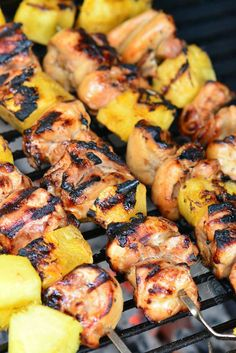 Pineapple Grilled Chicken Kebabs recipe is a delicious sweet and salty combination of marinated chicken and fresh pineapple chunks cooked on a grill. Pineapple G Healthy Grilling Recipes, Kebab Recipes, Cooking Recipes, Grilled Stuffed Peppers, Grilled Chicken Parmesan, Pineapple Chicken Kabobs, Grilled Turkey Burgers, Salad With Sweet Potato, Best Chicken Recipes