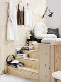 Ikea compact living This is Pella Hedeby's take on compact living. She had the opportunity to style her favorites for an all-in-one room in Milan for Ikea and I really like the result. This setup with a small kitchen and Home Bedroom, Bedroom Decor, Ikea Bedroom, Bedroom Furniture, Decor Room, Master Bedroom, Home Interior, Interior Design, Interior Stairs
