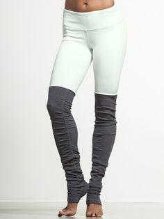 My new fav tight of the moment!  @aloyoga  Bring on Spring!!!!!!  #carbon38 Goddess Ribbed Legging