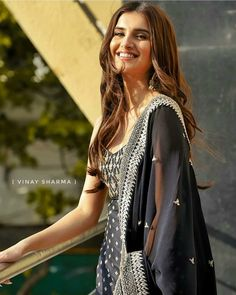 Bollywood fashion 619174648757052764 - Source by Indian Bollywood Actress, Bollywood Girls, Beautiful Bollywood Actress, Bollywood Fashion, Indian Actresses, Bollywood Quotes, Pakistani Fashion Casual, Indian Fashion, Bollywood Hairstyles
