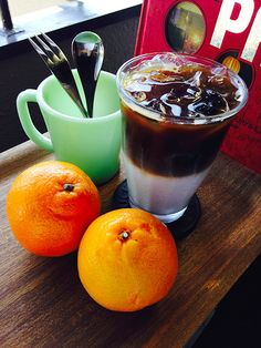 【フレーバーラテ★オレンジ】冷たい飲み物が美味しい季節ですね!家庭で作れる、オレンジフレーバーのラテはいかがですか?