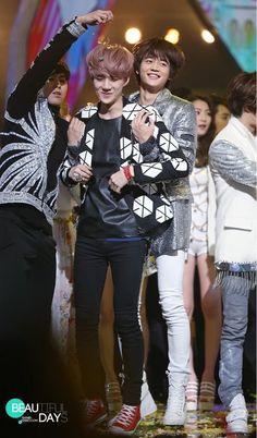 sehun minho yunho - this is too cute! Jung Yunho, Solo Pics, Block B, Love At First Sight, Kpop Boy, Vixx, Minho, Super Junior, Monsta X