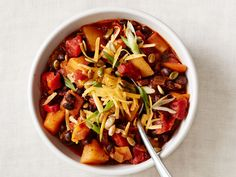 Get this all-star, easy-to-follow Squash-Black Bean Chili recipe from Food Network Magazine