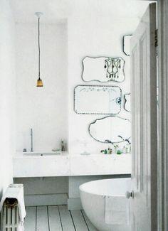 BATHROOM. MIRRORS.