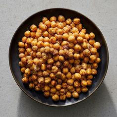 Everything-Bagel Crispy Chickpeas – Snacks Chickpea Snacks, Chickpea Recipes, Diet Snacks, Protein Snacks, High Protein, Protein Cake, Protein Muffins, Protein Cookies, Energy Snacks