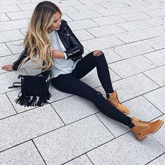 modetrends herbst winter 2017 besten Outfits – Best Of Likes Share Mode Outfits, Casual Outfits, Fashion Outfits, Outfits With Boots, Womens Fashion, Fashion Boots, Girl Outfits, Fashion Hacks, Jeans Fashion