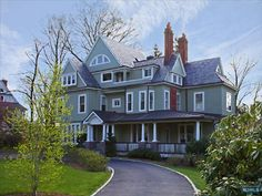 Montclair, New Jersey.... so many beautiful vintage homes that we didn't know where to look first.