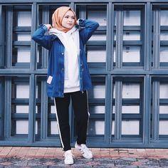 Şüheda Türkoğlu (@suhedaaat) Modest Fashion Hijab, Street Hijab Fashion, Hijab Casual, Hijab Style, Hijab Chic, Hijab Outfit, Casual Outfits, Fashion Outfits, Muslim Women Fashion