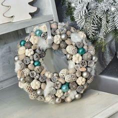 Christmas Advent Wreath, Christmas Door, Christmas Time, Christmas Decorations, Xmas, Handmade Christmas, Vintage Christmas, Pine Cone Art, Handmade Decorations