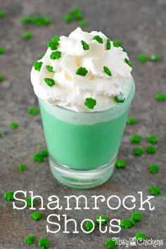 Don't be sad when Shamrock shakes disappear again, you can make you own tiny, boozy version with this three ingredient shot. Top it with whipped cream and sprinkles if you're feeling extra Vodka Recipes, Shot Recipes, Drinks Alcohol Recipes, Yummy Drinks, Alcoholic Drinks, Irish Cocktails, Spring Cocktails, Fun Cocktails, Cocktail And Mocktail