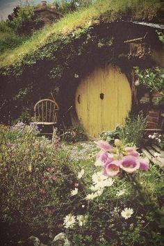 Hobbit Hole by vladtodd