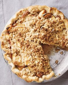 """See the """"Peach Crumble Pie"""" in our Summer Fruit Pie and Tart Recipes gallery Peach Crumble Pie, Crumble Topping, Crumble Recipe, Crust Recipe, Raspberry Crumble, Cobbler Recipe, Just Desserts, Delicious Desserts, Yummy Food"""