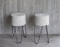 Concrete HRS stools made of recycled materials found at construction sites by Argentinian architects. Cement Art, Concrete Art, Concrete Design, Polished Concrete, Concrete Stool, Concrete Furniture, Diy Furniture, Concrete Interiors, Plywood Furniture