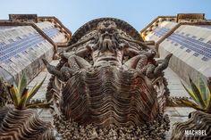 Estatua de Tritón el dios del mar en el Palacio da Pena Sintra Portugal. Visita al Palacio Nacional de Sintra Palacio da Pena Quinta Regaleira y Castelo dos Mouros Sintra, la capital del romanticismo y los palacios