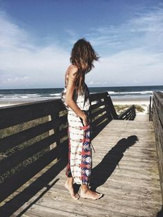 Boho Street Style Inspiration: Printed Maxi Dress Beach Look #johnnywas