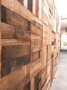 Wood wall from La Casa del Atrio