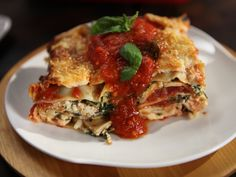 Get this all-star, easy-to-follow Spinach Lasagna recipe from Rachael Ray.