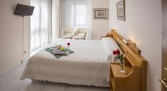 Hotel Don Rodrigo Palencia Hotel Don Rodrigo is situated in the historical centre of Palencia next to the Cathedral. Private parking is available on site and free Wi-Fi is offered throughout the hotel.  The rooms at Don Rodrigo are spacious and feature a flat-screen TV.