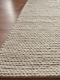 Chunky Cable Hand-Woven Rug