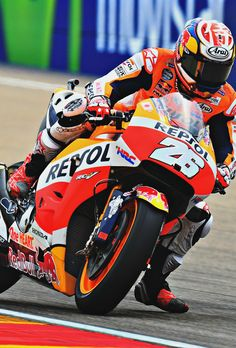 MotoGP ♥ - Dani Pedrosa (Photo l Michelin) Valentino Rossi, Photo L, Road Racing, Anime Naruto, Cars And Motorcycles, Motorbikes, Hero, Dani, Wallpaper
