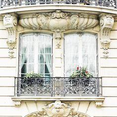 ❥ Paris window...