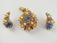 PEARLS-amp-BLUE-RHINESTONES-034-SPIRAL-GALAXY-034-BROOCH-amp-CLIP-EARRINGS-1950-039-s