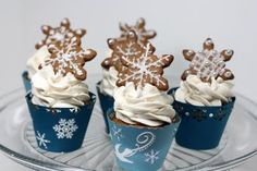 Gingerbread cupcakes with Cinnamon Swiss Meringue Buttercream, topped with homemade gingerbread cookies! Perfect for Christmas! Gingerbread Cupcakes, Christmas Cupcakes, 12 Cupcakes, Cupcake Cakes, Meringue Frosting, Swiss Meringue, Martha Stewart Cupcakes, Cupcake Recipes, Dessert Recipes