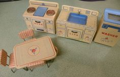 Vintage TN Tin toy kitchen set, made in Japan (early 1950's)