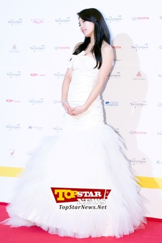 miss A's Suzy, 'The haughtiness of the icon of first love'… Red carpet of the 49th Annual DaeJong Film Festival [KSTAR PHOTO]