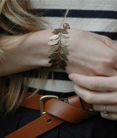 Cute leaves bracelet.