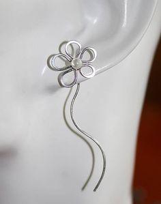 Sperky-Ajka / Náušnice - prevliekacie - kvety - perleť - tepané - hypoalergénne