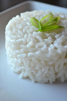 Coconut rice (& slow cooked Hawaiian pork roast) :: coconut? hmm, sounds like something to try...