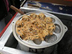 kue laba laba - Indonesian spider cake - by selmadisini 2009