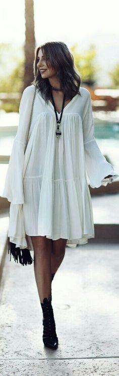 Street style   Hippie white dress with fringe handbag