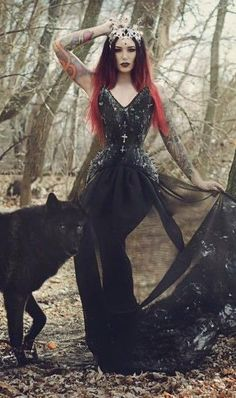 Beautiful Black Gothic Dress / Jewelry / Headpiece / Fashion Photography / Gothique Women  // ♥ More at: https://www.pinterest.com/lDarkWonderland/