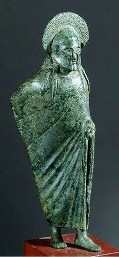 - Estatuilla Lacónica de bronce de un Oficial Espartano . 500 a.C. /tcc/