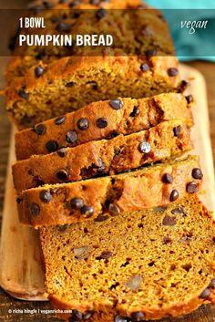 1 Bowl Vegan Pumpkin Bread Recipe. Easy Pumpkin loaf with pumpkin puree, pumpkin pie spice, walnuts and chocolate chips. Use pumpkin seeds, currants for variation   VeganRicha.com #vegan #breakfast #pumpkinbread