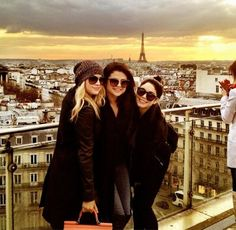 Bestfriends in PARIS, sunset evening, and all black outfits.