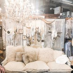 Imaginative represented bohemian home decor diy View Limited Deals Junk Gypsy Bedroom, Cowgirl Bedroom, Western Bedroom Decor, Western Rooms, Western Chic, Boho Glam Home, Hippie Home Decor, Gothic Home Decor, French Country Bedrooms