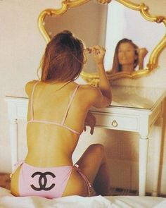 http://amzn.to/1ZolIuh  Front wayz back wayz. Do it the Chanel wayz   @chanelofficial  #Chanel #Fashion #Style #Brand #Model #Ootd #Garment #chanelclassic #Glam #fashionphotography #fashiondiaries #Lotd #BTS #Motd #MakeUp #Beauty #Editorial #Cute #Igers #mirror #pink #pictureoftheday #picoftheday #Potd #selfie  #trend #designer #label #luxury by hannahlouiseoneill