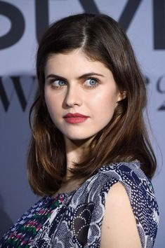 alexandra-daddario-attends-the-instyle-awards-in-los-angeles_1.jpg (1200×1804)